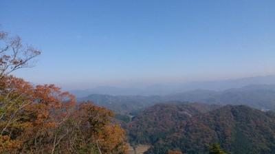 山頂より北東を望む