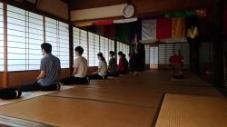 長源寺での座禅中